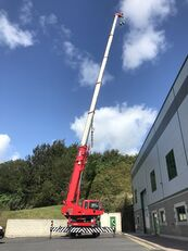 KATO 35 Ton City Crane -- Only 18,941kms from New mobile crane